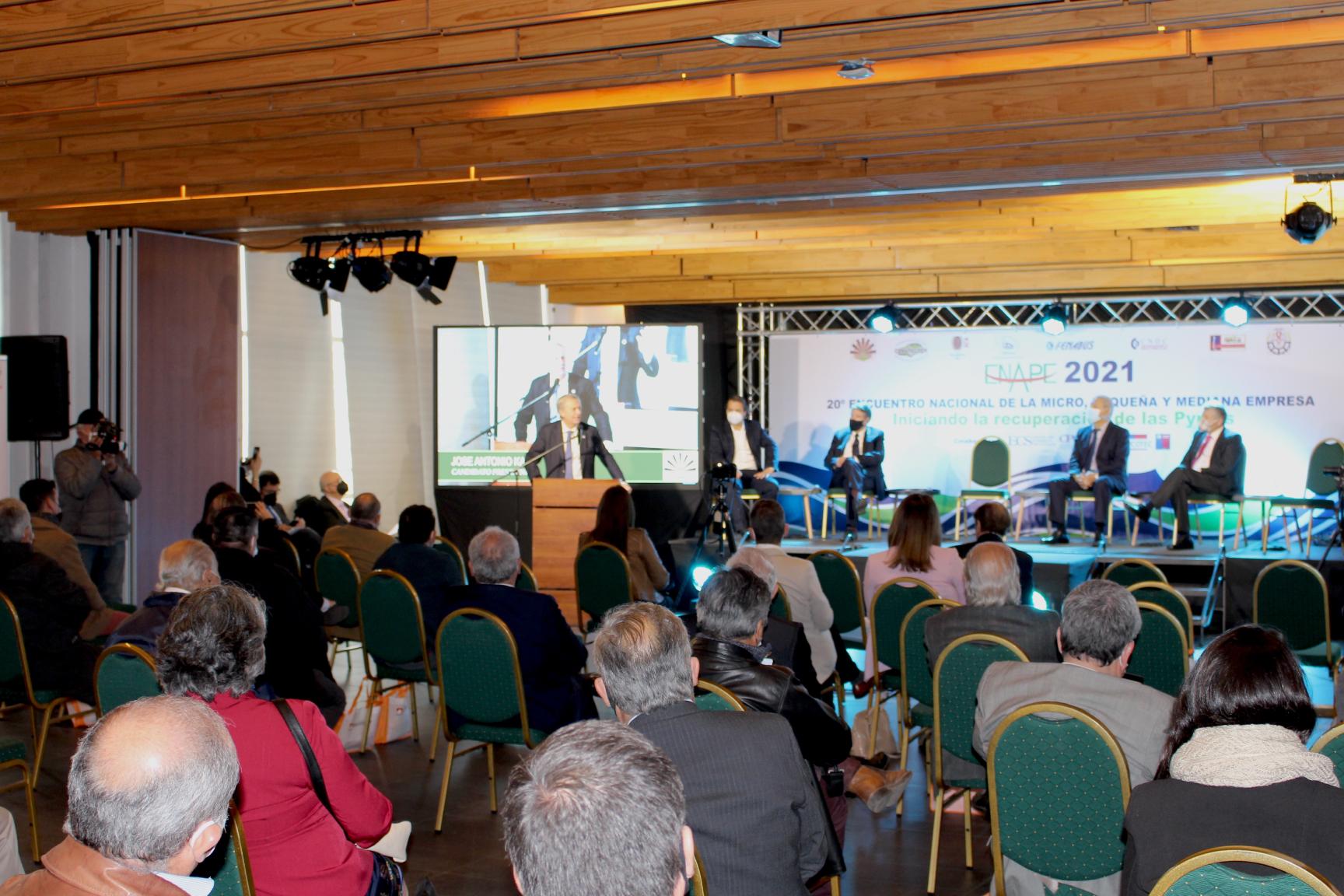 Escuela de Comercio - Escuela de Comercio auspició el 20°Encuentro Nacional de la Micro, Pequeña y Mediana Empresa de Chile.